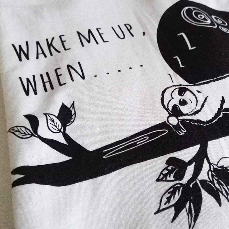 Wake-me-up-when-baseballshirt-nahaufnahme